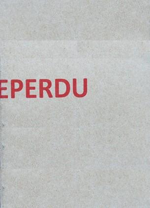 N° d'édition : TOPO005  Tiré à deux exemplaires numérotés  Cahier poétique en papier kraft, Atelier du papier, France. 20 pages, 10X15 cm